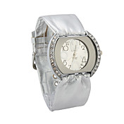 Kvinners Quartz Movement Glass Round Shape Dress Watch