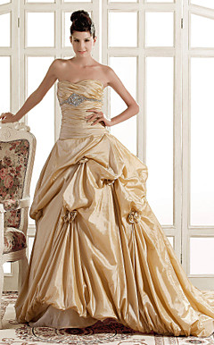 A-line Sweetheart Sweep/Brush Train Taffeta Wedding Dress