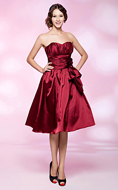 A-line Strapless Knee-length Stretch Satin Cocktail Dress