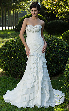 Trumpet/Mermaid Sweetheart Court Train Taffeta Wedding Dress