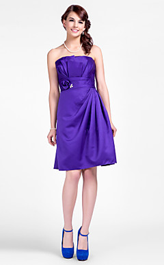 Sheath/Column Strapless Short/Mini Satin Bridesmaid Dresses