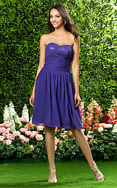 A-line Sweetheart Knee-length Chiffon Bridesmaid Dress